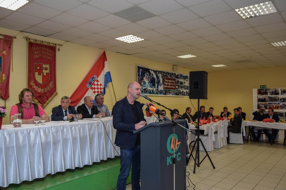 LokalnaHrvatska.hr Krapina Ministar poljoprivrede T. Tolusic prisustvovao skupstini Udruge uzgajivaca konja